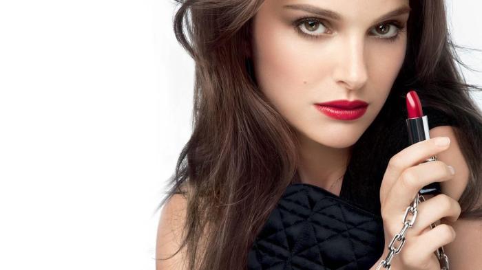 3bd37640-7fc0-11e4-8d5e-8d53305b80cc_999-rouge-dior-levres-glamour-L-s_X84F