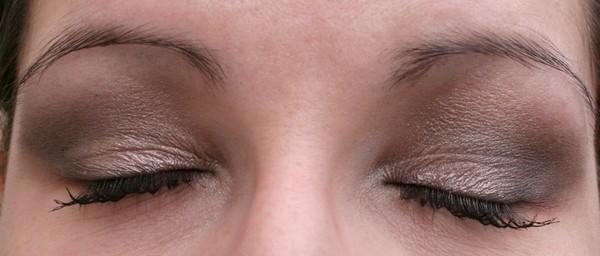Extrêmement Mes astuces pour maquiller des yeux à paupière tombante ! | Choup  ZI35