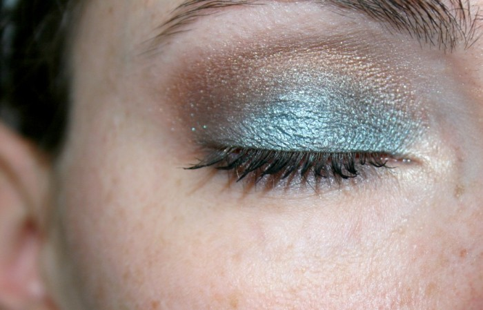 monday_shadow_challenge_makeup_teal_03